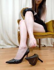 你就是我的高跟鞋,我走到哪里,都把你踩在脚下。qq3262 19616